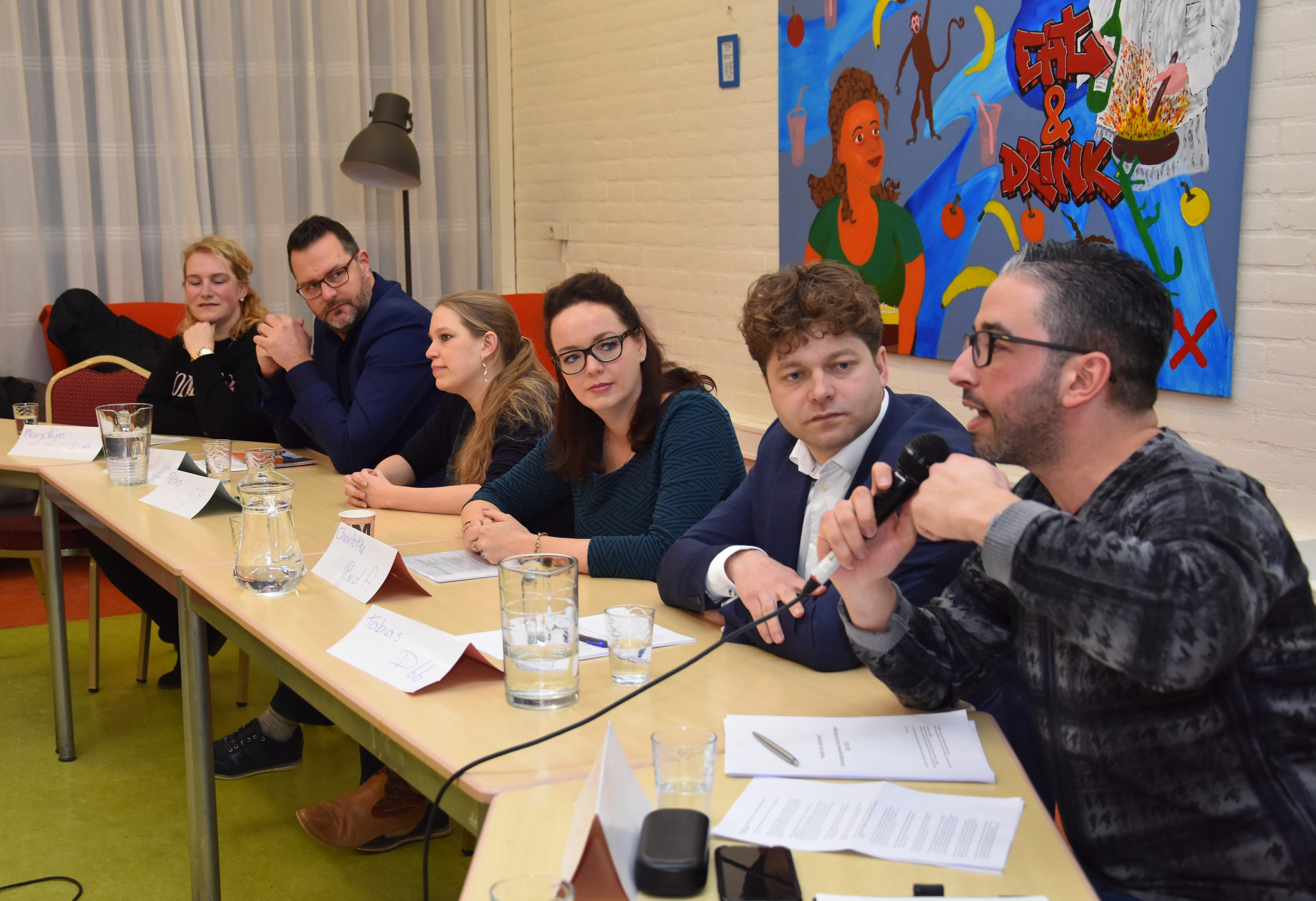 verslag politiek debat in het Wijkatelier Lindenholt